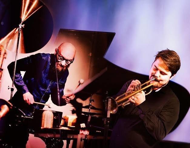 Mika Kallio og Verneri Pohjola setter i gang fantasien både hos hverandre og hos oss.