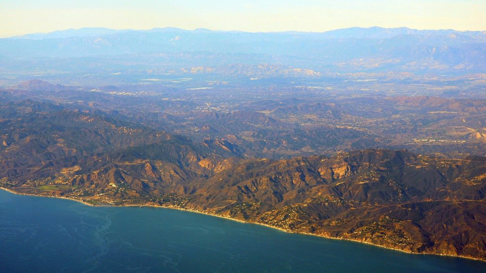 MALIBU: Mellom havet og Santa Monica-fjellene ligger det attraktive området. Foto: Doc Searls (Flickr)