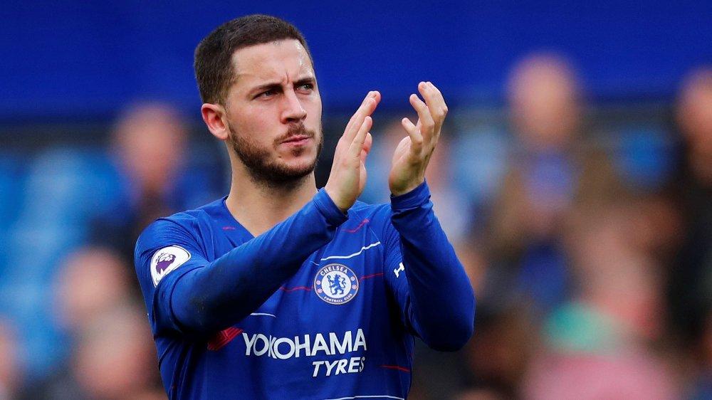 UVISST: Chelsea-manageren Maurizio Sarri har bedt Eden Hazard bestemme seg for om han ønsker å bli i Chelsea.