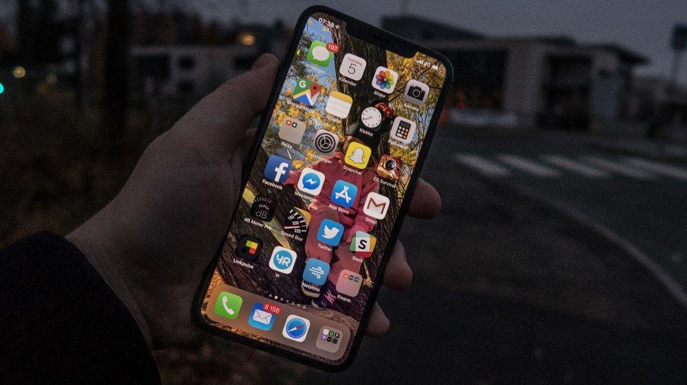 Når Telenor nå skrur av 3G-nettet i Norge vil det ha positive konsekvenser for de som har moderne mobiltelefoner, men kan få store negative konsekvenser for dem med gamle telefoner, og ikke minst utstyr som viltkamera, alarmer og datautstyr som kan koble seg rett på nett.