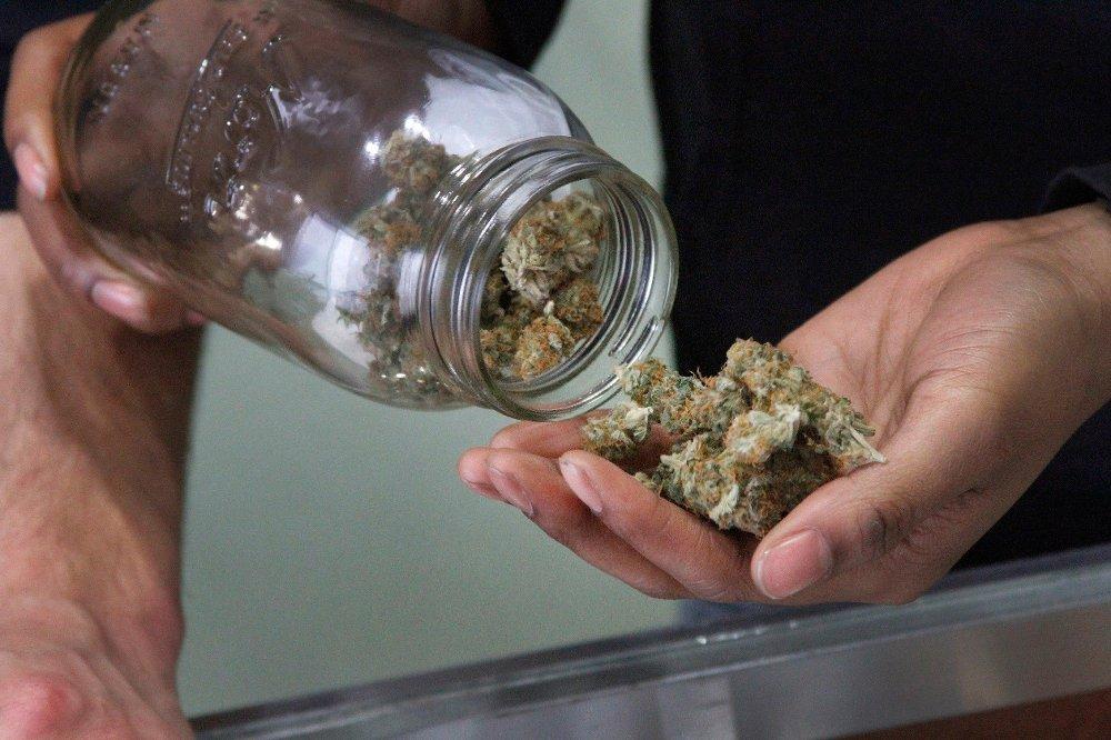 Bildet er fra Alaska Cannabis Club i USA som selger medisinsk cannabis.