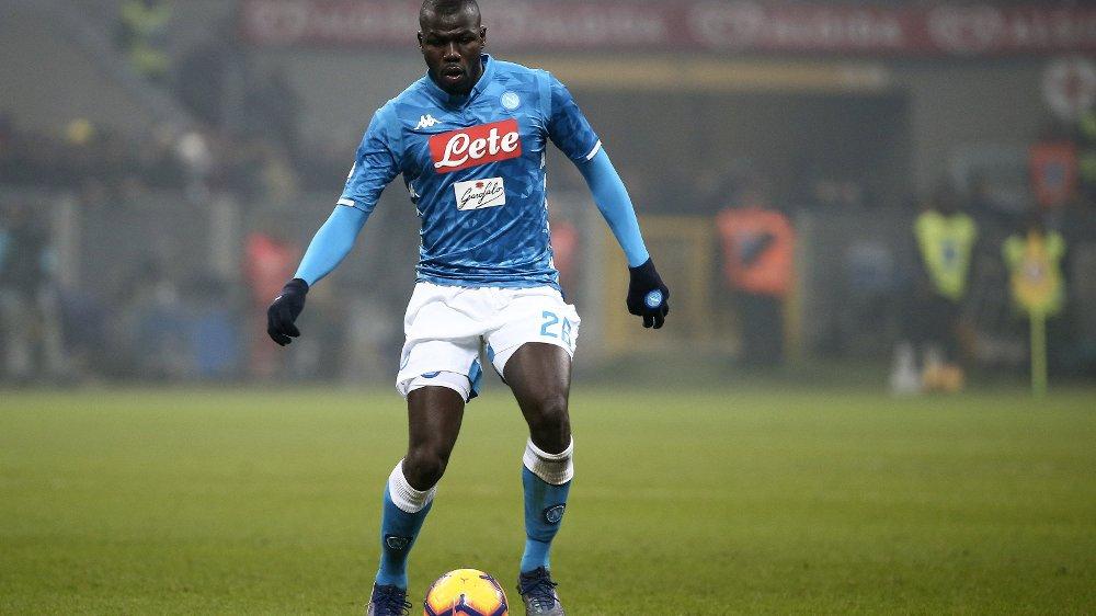 ETTERTRAKTET: Napoli-midtstopper Kalidou Koulibaly skal etter rapportene være ønsket av Manchester United.