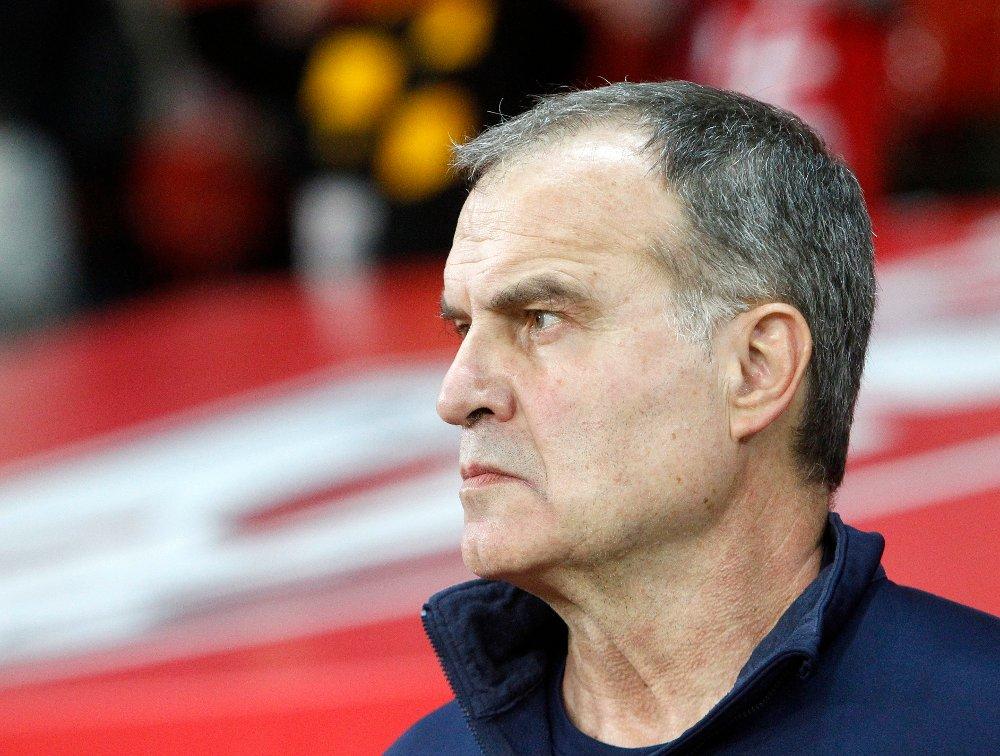 Leeds-manager Marcelo Bielsa medgir at han sendte en spion til Derbys trening før den viktige kampen fredag. Leeds vant 2-0. Foto: Michel Spingler, AP / NTB scanpix