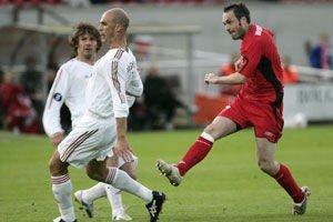 Robbie Winters scorer her 1-0-målet i møtet med Lokomotiv Moskva i Bergen torsdag kveld.