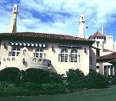 Donald Trumps bolig i West Palm Beach oser av luksus.