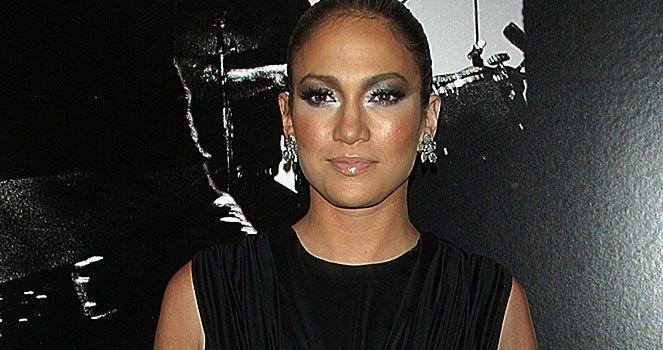 FLOTT: Fem uker etter fødselen er Jennifer Lopez tilbake i stjerneform. Klikk på forstørrelsesglasset for å se hele bildet.