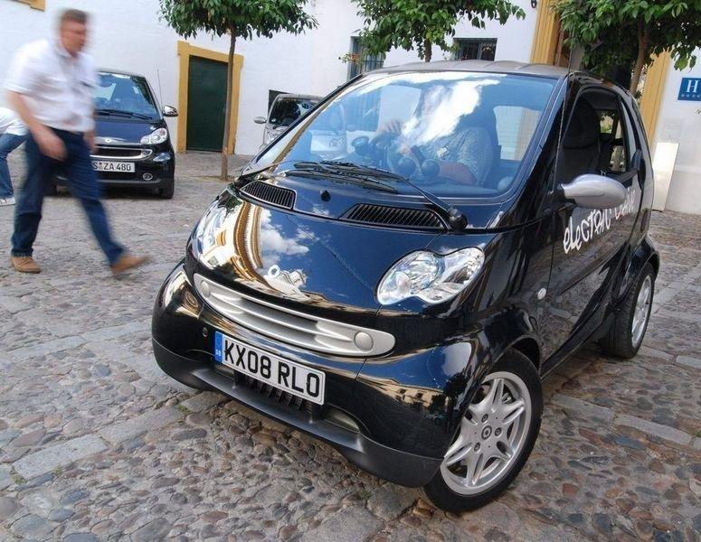 EL-SMART: Allerede om et par år starter testproduksjon av Smart som elektrisk bil. (Foto: Øivind Skar)