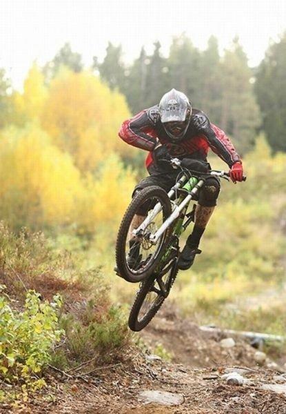 For første gang er det mulig å bruke skitrekkene i Oslo Skisenter med sykkel