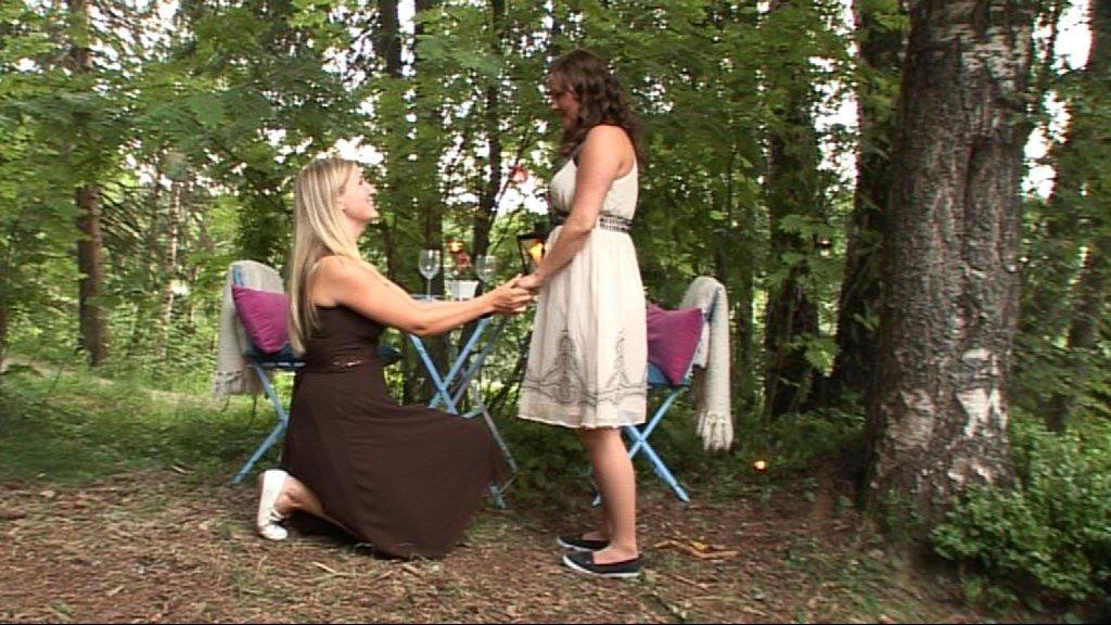 Lotte Pedersen fridde til kjæresten sin Sita, i forbindelse med NRKs nye serie «Si ja, bli min».