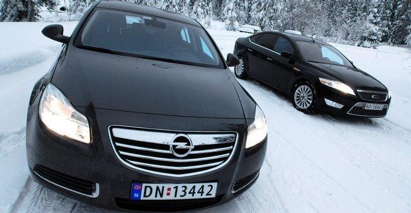 LITT FORAN: Vi mener Opel Insignia gir litt mer bil for pengene enn Mondeo.