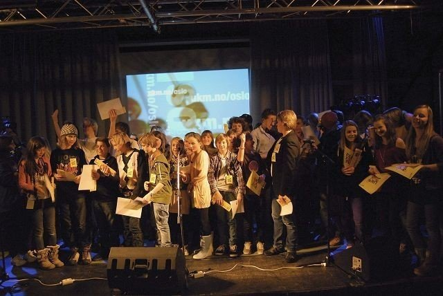 Samtlige av deltagerne under lørdagens UKM. Foto: Charlotte Langerud