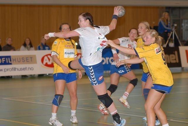 Else-Marthe Sørlie Lybekk og NIF hadde få problemer med å slå nabo BSK onsdag kveld. FOTO: ARE KOLSTAD