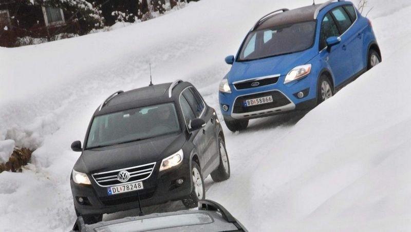 TRIO: Ford Kuga og VW Tiguan er gode og sporty folke-SUVer, men i vår test må de se seg forbikjørt av en litt traust gubbe.