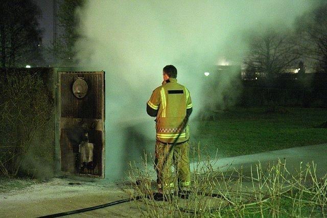Ingen kom til skade da søppelkassene brant.