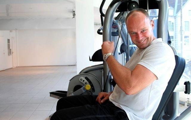 Daglig leder Henrik Nielsen beklager at åpningen lar vente på seg, men mener Gym Club på Hoff blir verdt å vente på! Foto: Fredrik Eckhoff