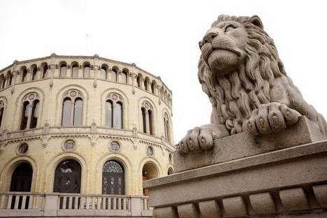 HVEM SKAL REGJERE?: Hvem som blir sittende med makta i Stortinget etter 14. september er foreløpig høyst uvisst. FOTO: HEGE BJØRSNDATTER BRAATEN