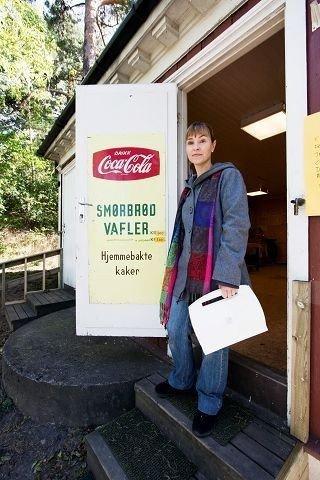 Tømte stedet: For en uke siden stengte Anett Mathisen Utsikten kafé, og nå har hun også tatt med seg vaffeljernet og annet utstyr hjem. Foto: Anne-Grethe Ulriksen.