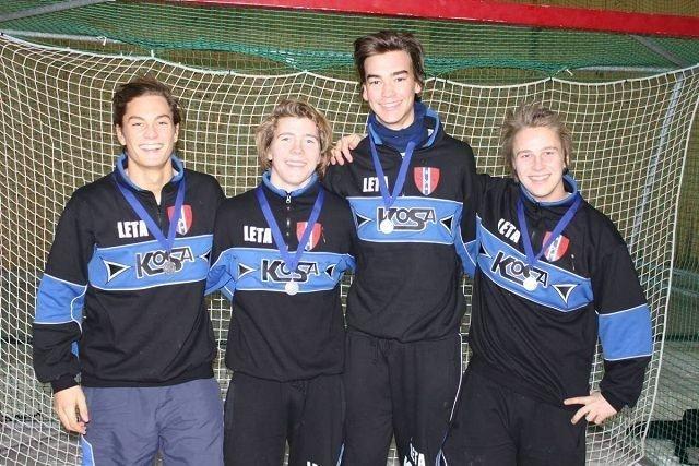 Historisk sølv: (F.v.) Jørgen Christoffer Myking (Ready), Hans Petter Berntzen (Ullern), Stian Bjørhovde Kavli (Ready) og Mikkel Otterstad (Ready). Foto: Privat