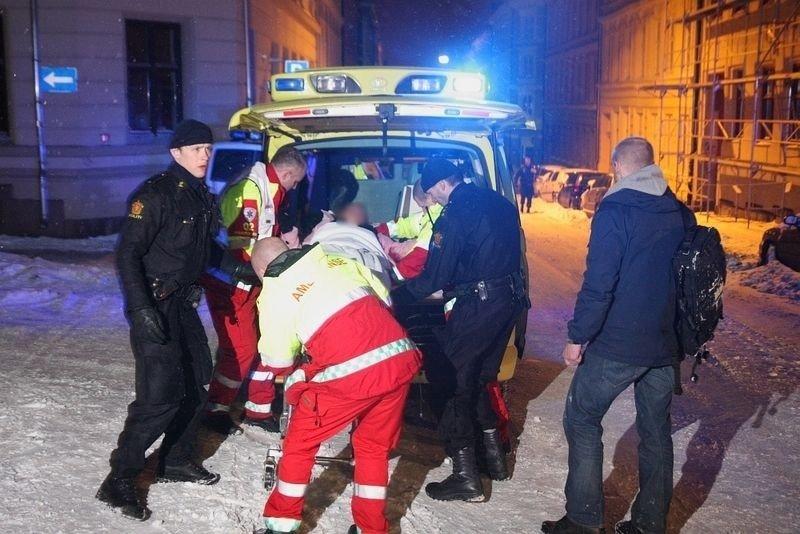 Kvinnen (35) ble sendt til Ullevål sykehus, men skal tilsynelatende være i god form, forholdende tatt i betraktning.