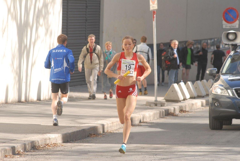 Karoline Bjerkeli Grøvdal på Besserud-etappen for vinnerlaget SK Vidar.