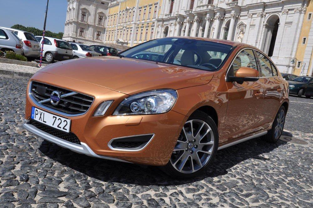 S60 er den beste Volvo-en vi noensinne har kjørt. Det skyldes at Volvo endelig har fått skikk på styringen.