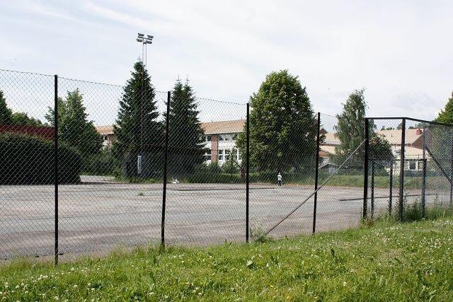 Det er nå klart at idrettshallen som skal reises på Lambertseter, vil bli lagt der tennisbanene nå ligger.