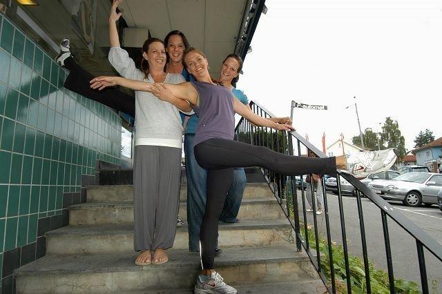 Siri Frømyr (øverst) sammen med søstrene Lisbeth Lenning, Live Lenning Hals og Eidi Lenning Norheim.