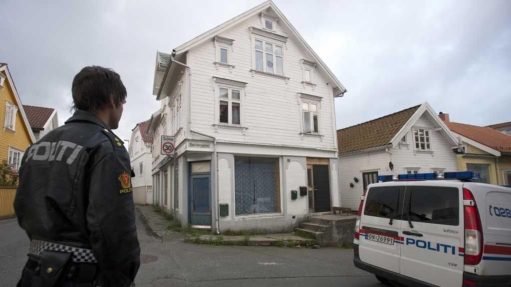 TILSTÅR: Den 30 år gamle mannen har tilstått å ha drept sin 19 år gamle kone i dette huset i Egersund.