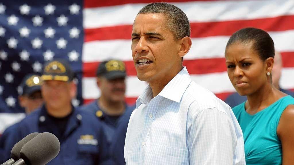 I FLORIDA: Barack Obama og hans kone Michelle besøker Florida og oppfordrer turistene til å vende tilbake til kystlinjen langs Mexicogulfen.