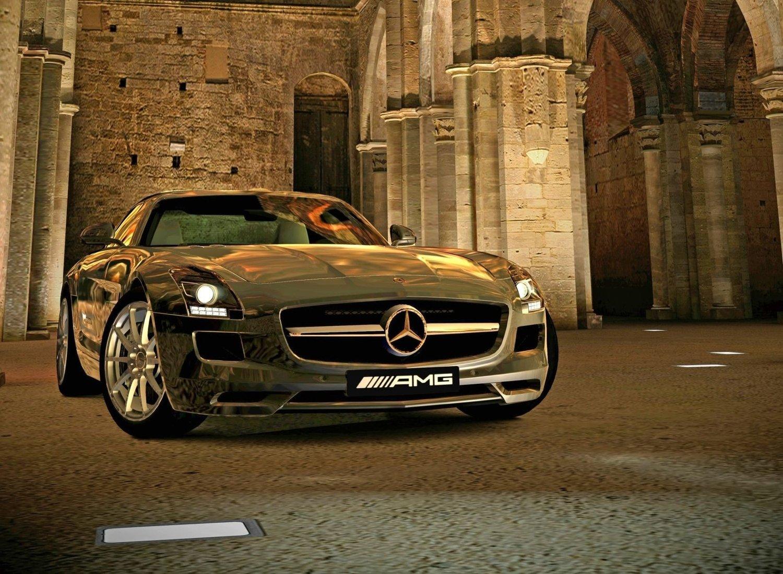 GT5 kommer med over 1000 bilmodeller, blant annet SLS AMG