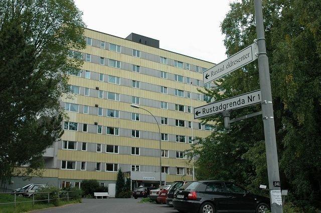 Per Rønneberg (innfelt) og de andre på Rustad treffsenter 60+ ønsker å skape forståelse mellom mennesker med ulik tro.