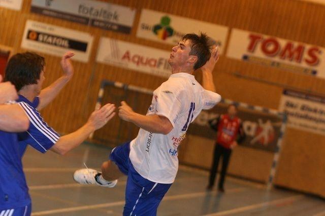 Johannes Hippe fikk lett spill mot Oppsal, og scoret ti mål mot Erik Veum & Co.