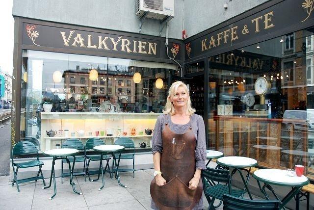 Jorid Fjeld i Valkyrien Kaffe og tehus satser på få bli i Vinkelgården i mange flere år sammen med andre spesialforretninger.