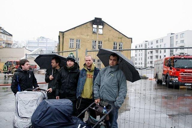 Scootergjengen: f.v. Martin Andersen, Magnus Bjørke, Espen Hoff, Martin Johansen og Fredrik Valstrand liker dårlig situasjonen de nå er i.