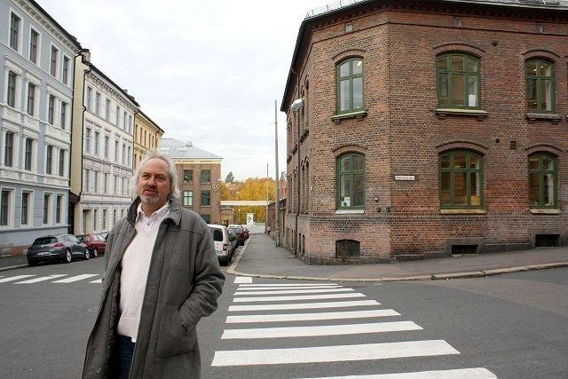 Ulf Granli vil at belastningen ved en kro skal bli minst mulig for naboene, og sier det er dette som ligger bak Høyres engasjement for Kunsthøgskolen.