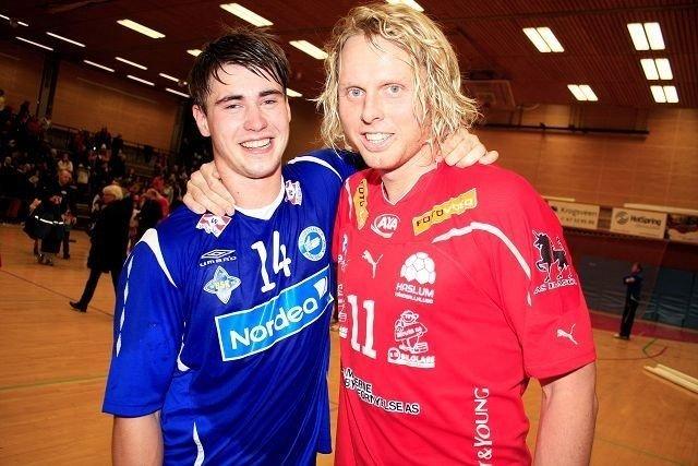 Haslum-spiller Erlend Mamelund og BSK/NIFs Johannes Hippe etter oppgjøret i Nadderudhallen.
