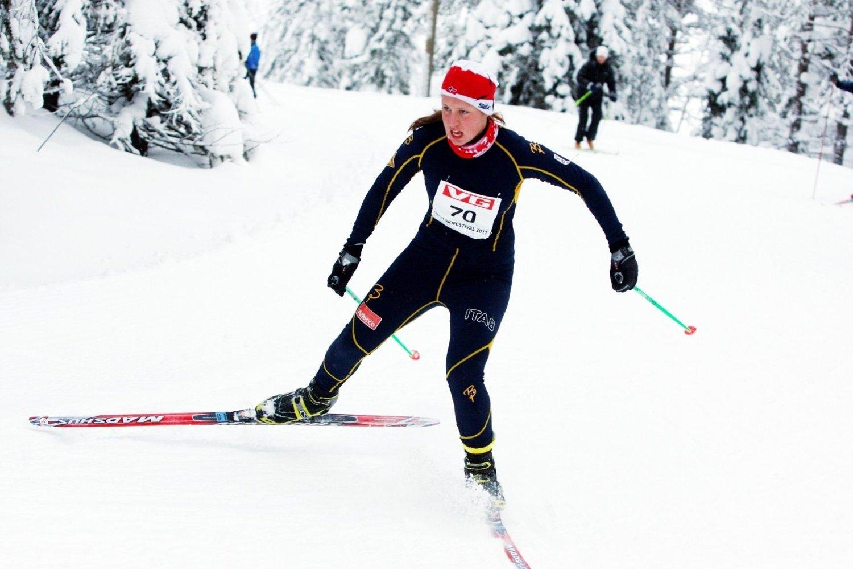 Mille Syversen i BSK imponerte under fristilrennet på Lygna skisenter. 15-åringen gikk inn til en tredjeplass lørdag.