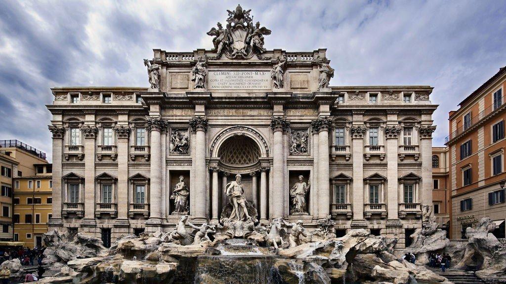 Fontenen i Trevi er et must i Roma.