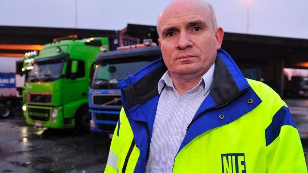 Fylkesleder Jan-Ove Halsøy i Norges Lastebileierforbund er bekymret over utviklingen.