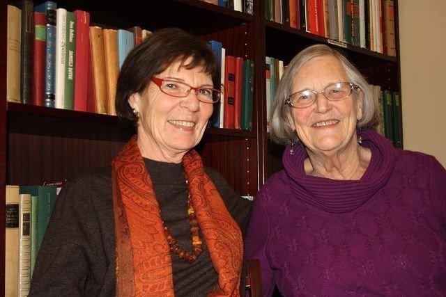 Berit Hexeberg og Berit Liband gleder seg til å høre andre eldres syn på det å bli pensjonert.