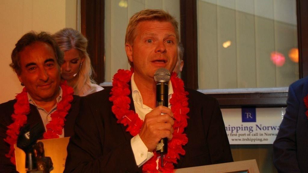 Gründer og administrerende direktør i FotoVideo, Roar Sandvik, takker for prisen.