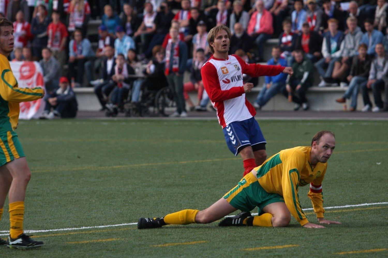 NEDE FOR TELLING: Andreas Moen og Fagerborg måtte se åtte baller gå i mål.