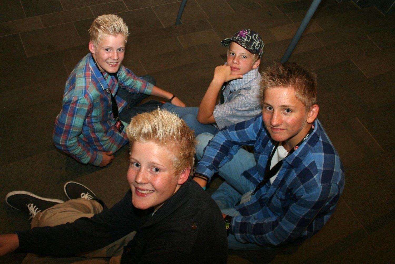 POPULÆRE: – Samuel har kjæreste, men resten er single, det kan du godt skrive! Bakerst: Mikkel Waaler, Markus Wiig, Samuel Skorpen og Kristian Waaler.