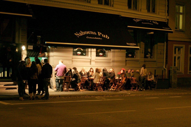 Nordmenn fyller ikke opp utestedene før etter midnatt og utesteder i Oslo kan få opptil 50 prosent av omsetningen sin fra tida mellom 1.00 og 2.00 om natta.