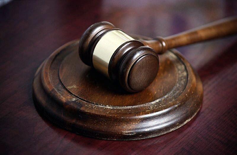 En mann er dømt for vold mot kjæresten sin.