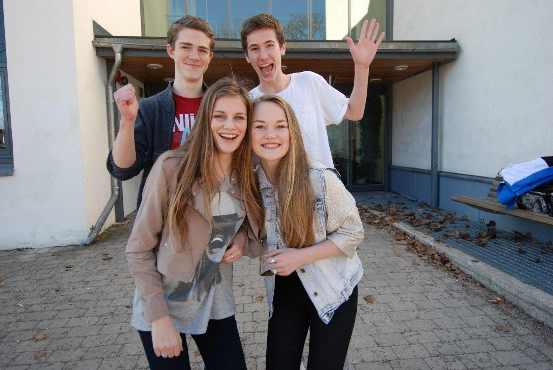 Klare for gi alt: Luke Whittington (14), Haakon Lyngstad (15), Nora Andreassen (15) og Celina Blikstad Blumenthal (14) i klasse 9C gleder seg til konkurranse i Arendal.