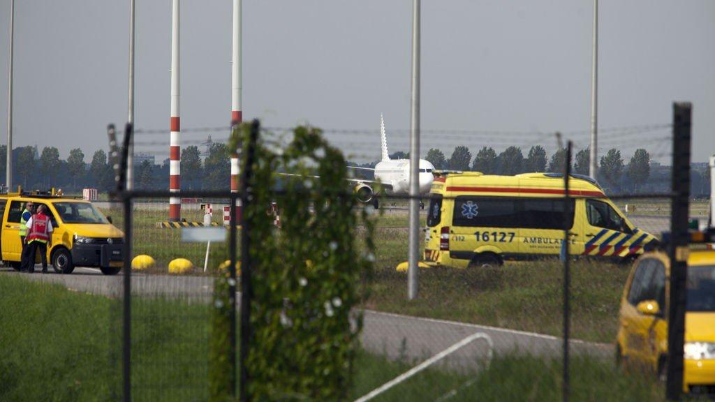 Det kom mange ambulanser og stort sikkerhetsoppbud til Schiphol flyplassen i det Airbus-flyet landet onsdag ettermiddag.