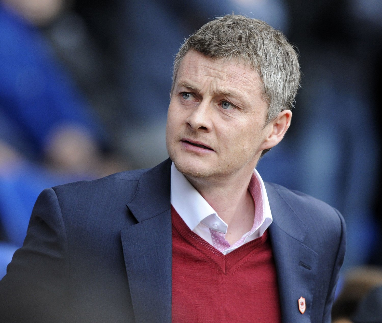 YDMYKET: Ole Gunnar Solskjær og hans Cardiff ble knust av Hull lørdag.