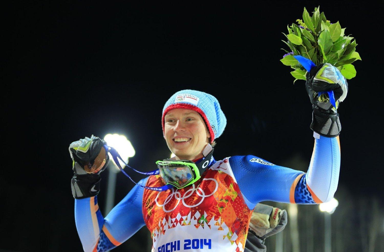 BRONSEVINNER: Henrik Kristoffersen jubler etter å ha blitt tidenes yngste medaljevinner i et alpintrenn i OL.