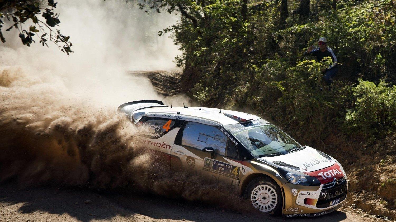 KJØRER FORT: Mads Østberg leder Rally Mexico etter fem fartsprøver.